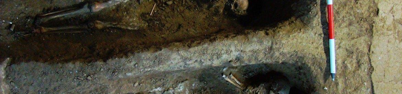Tumbas en la Iglesia de Montejo de la Sierra