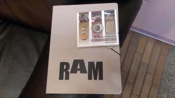 Carpeta de RAM y CD con las Jornadas de Patrimonio