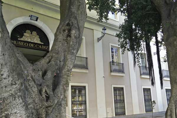 Entrada al Museo de Cadiz