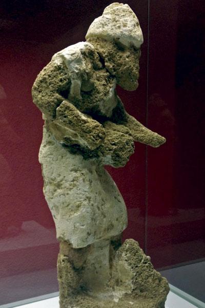 Estatua en Piedra Ostionera Fenicia